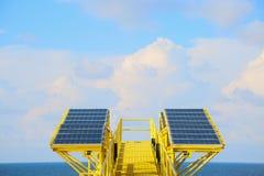 Grön energibakgrund, räddningenergi med grön energi, energiaffären, systemet för sol- cell och populär energi, station för sol- c Royaltyfri Bild