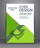Grön enkel reklamblad med geometriska nivåer Arkivfoton