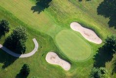 Grön flygbild för golfbana Royaltyfria Bilder
