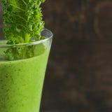 grön fruktsaft Sund drink arkivfoton