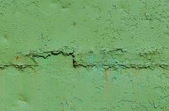 Grön gammal målad metalltextur Arkivbild
