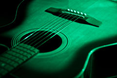 Grön gitarr Royaltyfria Foton