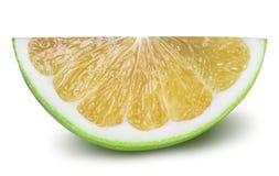 Grön grapefrukt, raring, vit grapefrukt på vita lodisar Arkivbilder
