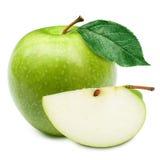 grön hälft för äpplen Arkivfoto