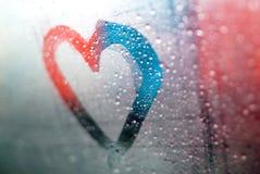 Grön hjärta på fönstret Royaltyfria Bilder