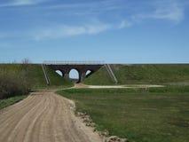Grön järnväg bro Arkivfoto