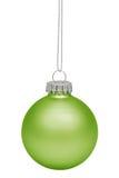 Grön julbauble som isoleras på white Arkivbilder