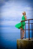 grön kvinna för klänning Royaltyfri Foto