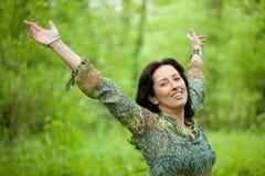 grön kvinna för skog Arkivbilder