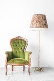 Grön lampa för tappningstolskrivbord arkivbild
