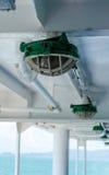 Grön lampa på färjan arkivbilder