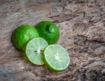 Grön limefrukt driver tillbaka myror och kackerlackor Royaltyfri Foto