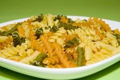 grön pasta för bakgrund royaltyfri bild