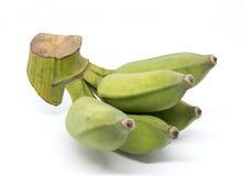 Grön Pisang Awak banan som isoleras på vit bakgrund Royaltyfria Foton