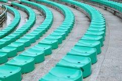 grön plast- för stol Arkivbilder