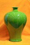 grön porslinvase Royaltyfria Bilder