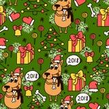 Grön sömlös modell med tecknad filmhunden, xmas-trädet, gåvor, klockan, klubbor, candys och snöflingor Arkivbilder