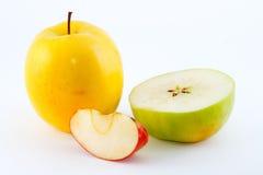grön saftig röd yellow för äpplen Royaltyfria Bilder
