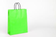 Grön shoppingpåse. Arkivfoton