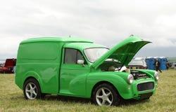 grön skåpbil Arkivfoto