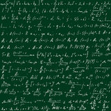 Grön skolförvaltning med formler som dras av handen Vetenskapliga likställande också vektor för coreldrawillustration Royaltyfri Bild
