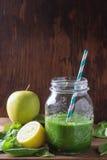 grön smoothie Royaltyfri Fotografi