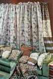 grön sofa Royaltyfria Bilder