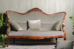 Grön soffa för tappning Royaltyfri Bild