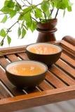 grön tea för bruna koppar Royaltyfri Foto