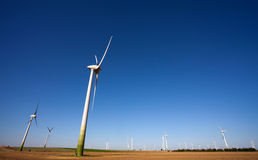 grön teknologiwindpower Royaltyfria Foton