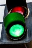 Grön trafikljus Arkivfoton