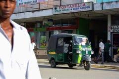 Grön tuktuk kenya Royaltyfri Foto
