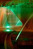 Grön upplyst springbrunn på Plazaoperan i Timisoara 1 Fotografering för Bildbyråer