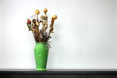 grön vase Arkivfoton