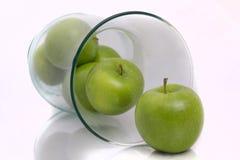 Gröna äpplen i vasen aka Fruitbowl Arkivbilder
