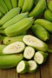 Gröna bananer Fotografering för Bildbyråer