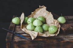 Gröna bergäpplen Arkivbilder