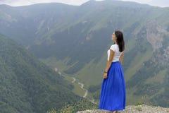Gröna berg av den Chechen republiken royaltyfri foto
