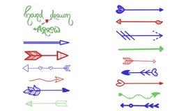 Gröna blåa röda pilar borstar handteckningen på vit Affärshälsningkort, vykort, designsymbol, uibeståndsdel, grafisk pekare stock illustrationer