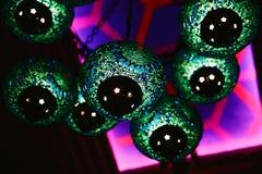 Gröna lampor i den orientaliska stilen Royaltyfria Foton