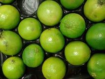 gröna limefrukter Arkivfoton