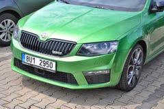Gröna Skoda Octavia RS Arkivbild