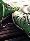 gröna skor royaltyfria foton