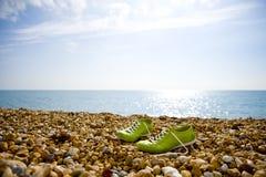 gröna skor Arkivbild