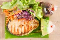 grönsak för steak för djupfältlax grund Royaltyfri Foto