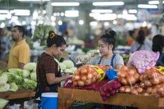 GRÖNSAK FÖR THAILAND PATTAYA MARKNADSMAT arkivbilder