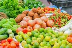 Grönsak i morgonmarknad Royaltyfria Bilder