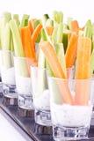 Grönsakaptitretarear med yoghurt Arkivfoton