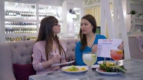 Grönsaken bantar näring, dietist för att konsultera flickapatienten om sunt äta, och att göra banta planet för för att förlora vi lager videofilmer