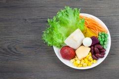 Grönsaker för bästa sida och fruktsallad Royaltyfria Foton